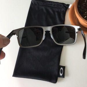 673123ff3de Oakley Accessories - Men s Oakley Holbrook Metal Prizm Grey